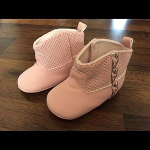 Rising star baby girl 6/9m Crib Shoes boots pink